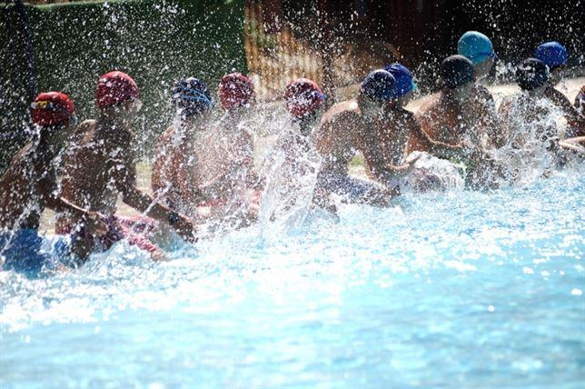Sevilla free tours el imd habilita cuatro piscinas for Piscinas imd sevilla