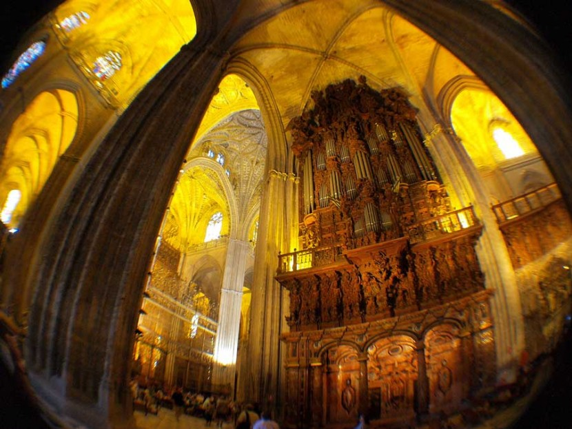 Sevilla free tours horario de museos y monumentos de - Horario merkamueble sevilla ...